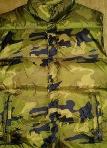 Old Navy Puffer Camo Vest!